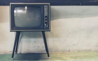 Samotny wypoczynek przed tv, lub niedzielne filmowe popołudnie, umila nam czas wolny ,a także pozwala się zrelaksować.